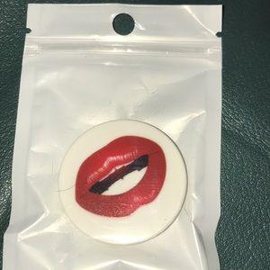 Brand new lips pop socket
